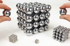 Playing with Big Magnet Balls