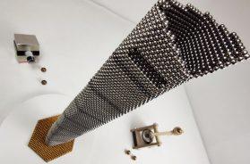 Magnetic guns VS Shanghai Tower made of magnetic balls