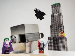 Batman_VS_Joker_Wayne_Tower_made_of_magnetic_balls